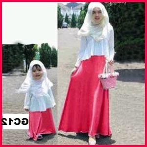 25 Model Baju Muslim Keluarga Warna Putih Terbaru 2018