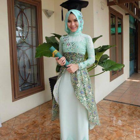 Hijab Wisuda Gambar Islami