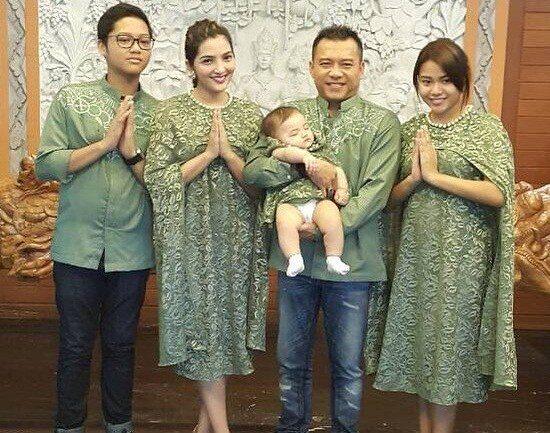 Baju Keluarga Anang Ashanty plus anak untuk Lebaran